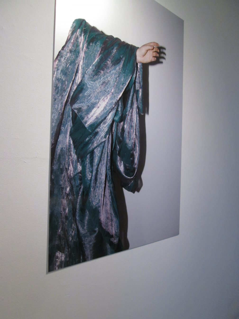 Partial Materialization Veiled in Auratic Fabric, 2014